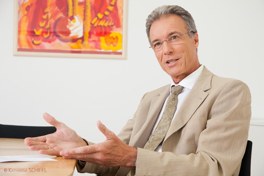 Univ.-Prof. Dr. Herbert Watzke