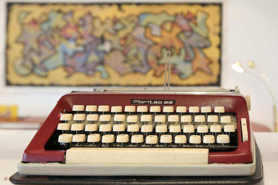 Moritso22 Typewriter @ modern Apartment Vienna