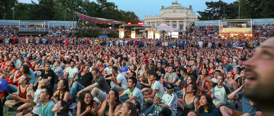 EM Finale Frankreich-Portugal @ EM Fan Area @ Wiener Rathausplat