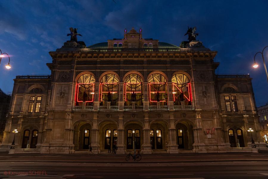 Wiener Saatsoper bei Madame Butterfly Premiere – OFFEN nach Lock Down
